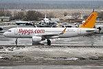 Pegasus Airlines, TC-DCH, Airbus A320-216 (27680738659).jpg