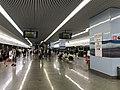 Platform of Hongqiao Railway Station (Line 10) 2.jpg