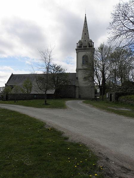 Chapelle Notre-Dame-de-Crénénan sise en Ploërdut (56). vue méridionale.