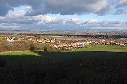 Pohled na obec od jihozápadu, Slatinky, okres Prostějov.jpg