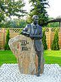 Pomnik Antoniego Thuma w Grodzisku Wlkp.jpg