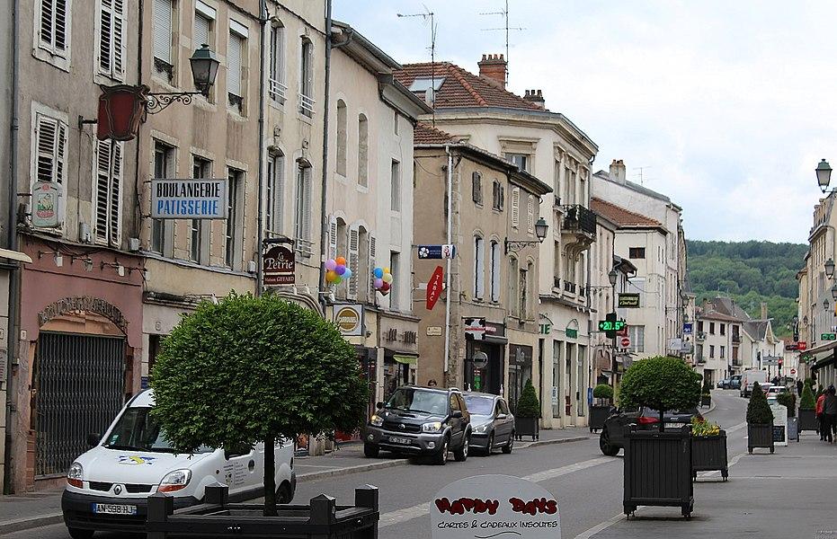 Pont-à-Mousson, rue Victor Hugo