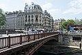 Pont au Double, Paris (36340732006).jpg