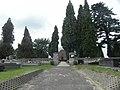 Poręba Żegoty, mury cmentarza rzym. kat.jpg