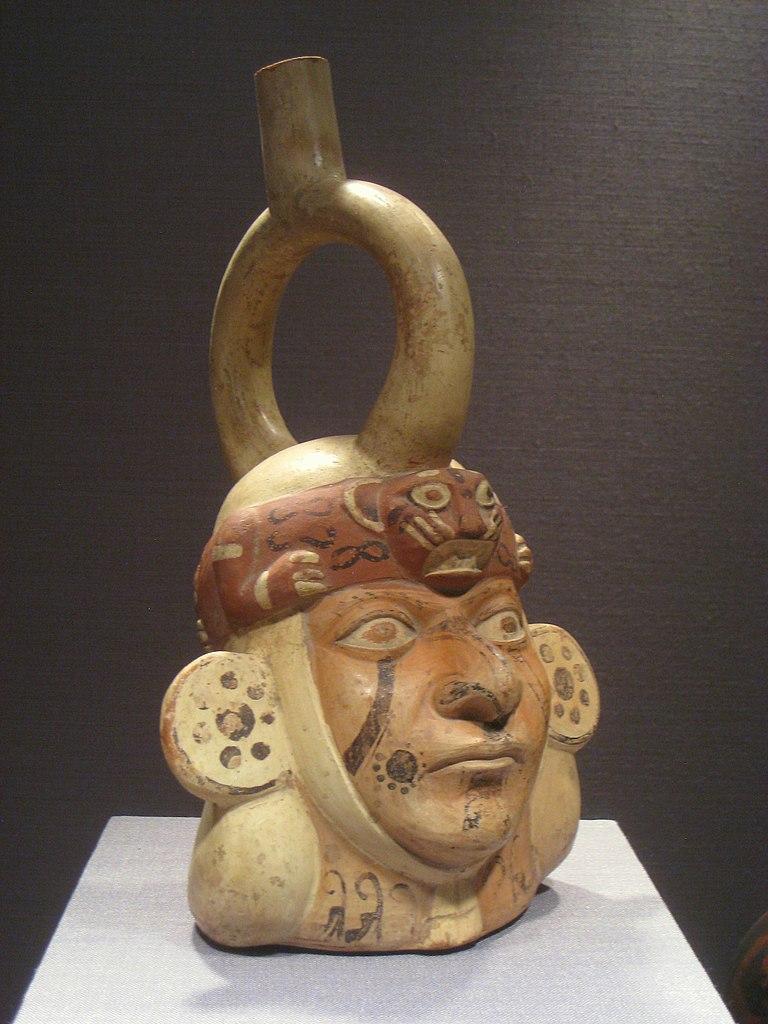 File:Portrait Vessel, Peru north coast, Moche culture, 100 ...