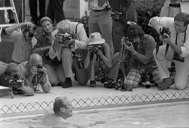File:President Gerald Ford takes his First Swim in the New White House Pool - NARA - 6372841.jpg