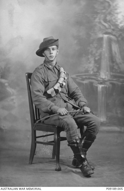 Private Clifton Henry James Hoad. Killed in action at Khuweilfe on 5-Nov-1917 - P09189.005