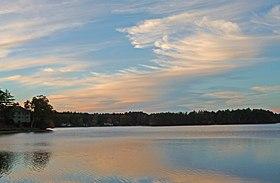 Quaddick Reservoir, October 2012.jpg