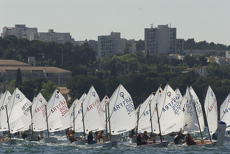Régate optimist martigues.jpg