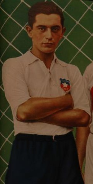 Santiago Morning - Raúl Toro, most successful player of Santiago Morning during the 1940s.