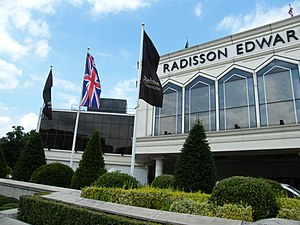 Radisson Blu Edwardian Heathrow Hotel - Image: Radisson Edwardian Hotel Heathrow 1