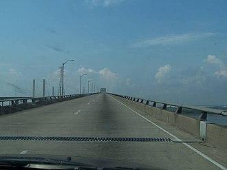 Rainbow Bridge (Texas) - Westbound approach to Rainbow Bridge in Orange County, TX.