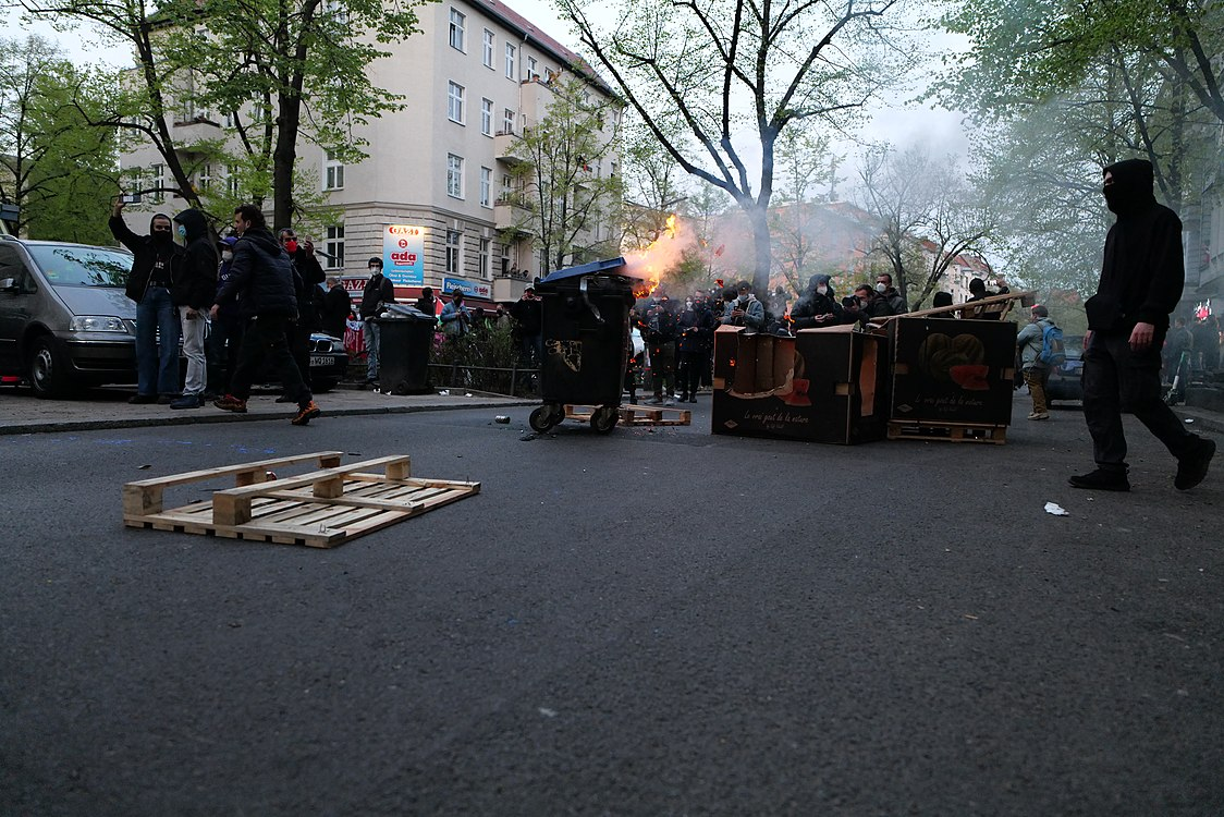 Revolutionary 1st may demonstration Berlin 2021 114.jpg