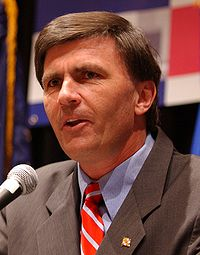 Robert ehrlich speaking at healthierUS summit cropped.jpg