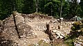 Rovine del castello di Rochefort.jpg