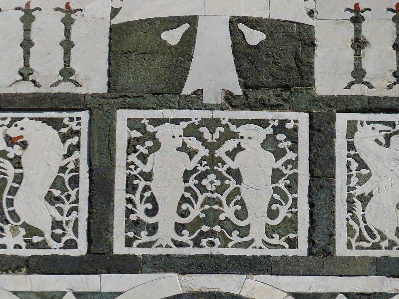 San Miniato al Monte, Firenze, particolare della facciata, uno dei capolavori dell'architettura romanica fiorentina