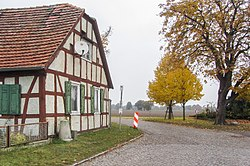 Schwarzholz Preussischer Rundsockelstein-03.jpg