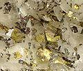 Siderite-Dolomite-Pyrrhotite-192732.jpg