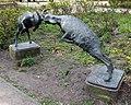 Skulptur Hohenstaufenplatz (Kreuz) Ziegen.jpg