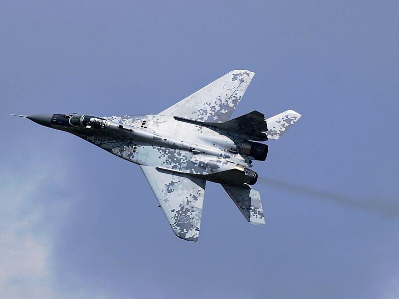 المقاتله العريقه Mig-29 Fulcrum  800px-Slovak_Air_Force_MiG-29AS