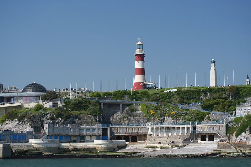 File:Smeatons' Tower and the Hoe from the sea - geograph.org.uk - 1680191.jpg