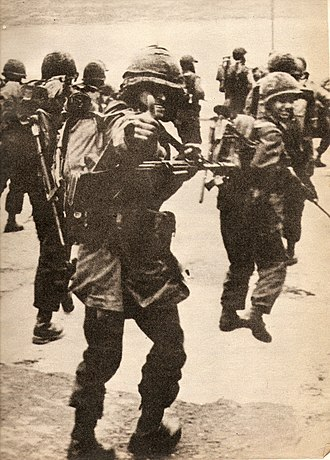 Military history of Argentina - Argentine soldiers during the 1982 invasion of the Falkland Islands.