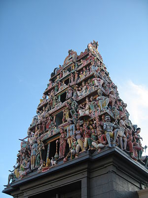 Sri Mariamman Temple, Singapore - The gopuram (entrance tower) of Sri Mariamman Temple