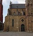St-Servaasbasiliek, oostpartij, zuidelijk portaal & transeptkapel 01.jpg