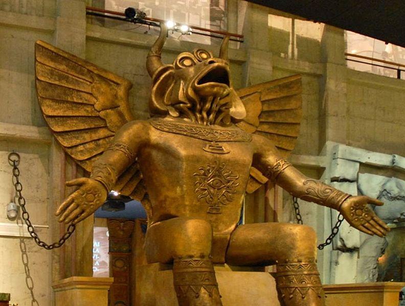 File:Statua del dio Moloch, museo del cinema di Torino.jpg