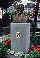 Statue of General McAuliffe in Place Mcauliffe - Bastogne Belgium.jpg