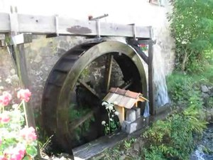 File:Storckensohn water wheel.ogv