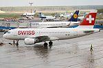 Swiss, HB-IPT, Airbus A319-112 (17463641185) (2).jpg