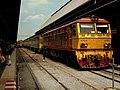 THAI RAILWAYS LOCO AT BANGKOK HUALAMPHONG STATION JAN 2012 (6792931758).jpg
