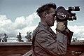 TK-mies kuvaa ilmavalvontalottia.jpg