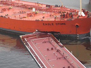 2010 Port Arthur oil spill - A barge embedded in the bow of Eagle Otome