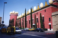 Teater Museu Gala Salvador Dali building from outside.jpg