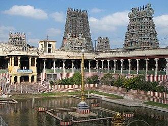 Madurai Nayak dynasty - Meenakshi Amman Temple complex