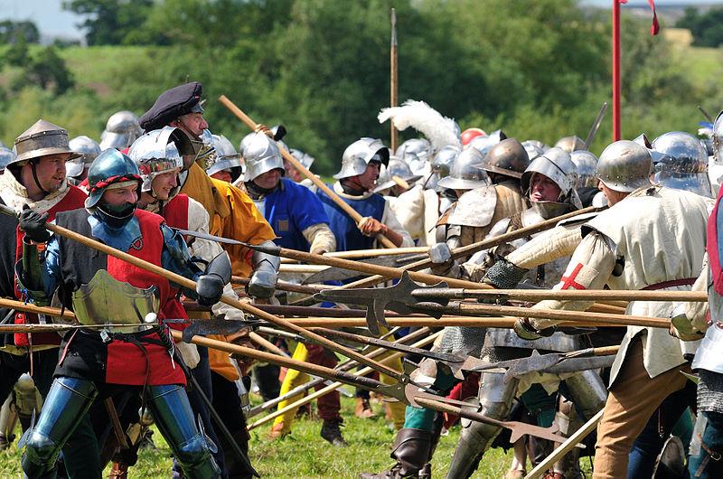 File:Tewkesbury Medieval Festival 2009 - Fight.jpg
