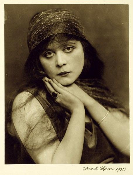 File:Theda Bara 1921 Orval Hixon.jpg