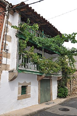 Traditional house in Tormellas