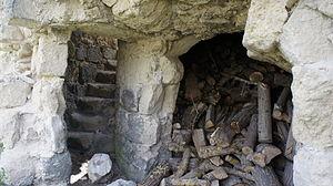 Bazoches-sur-Vesles - Image: Tour sud ouest détail 8072