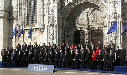 Austria joined the European Union in 1995 and signed the Lisbon Treaty in 2007. Tratado de Lisboa 13 12 2007 (081).jpg