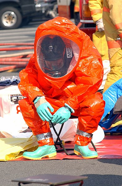 File:US Navy 030219-N-0252D-005 Emergency Response Team (ERT) members practice going through decontamination procedures after inspecting a space suspected to be contaminated by harmful chemical or biological agents.jpg