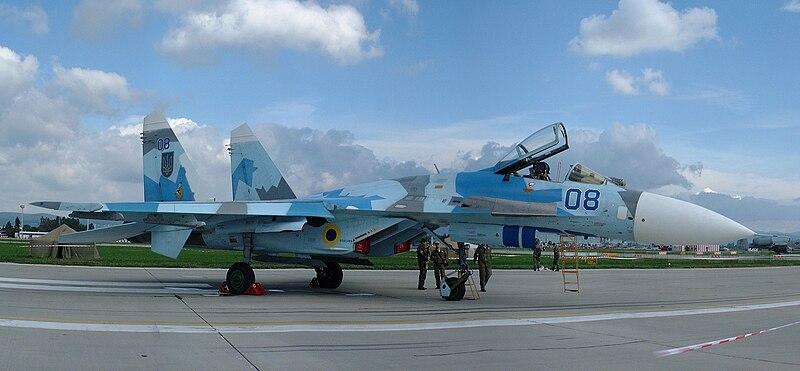 PESAWAT TEMPUR 800px-Ukraininan_Su-27S