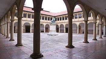 Universidad de Oviedo. Claustro