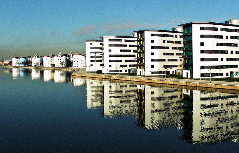 File:University of East London Docklands.jpg