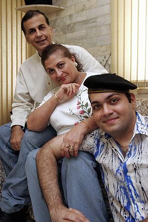Vijay Arora - Image: Vijay Arora Family