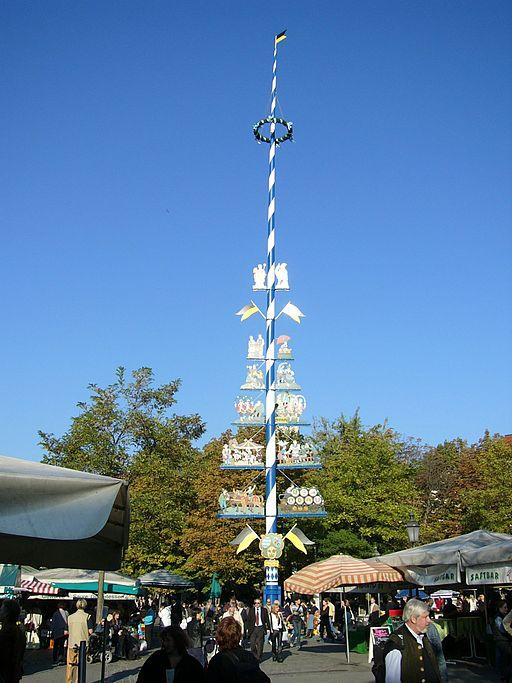 Viki-Markt.Maibaum