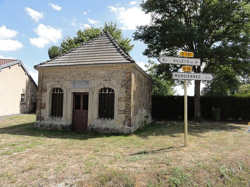 Villers-lès-Mangiennes (Meuse) chapelle Saillet extérieur