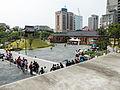 Visitors Line around Temple Plaza 20140705c.jpg